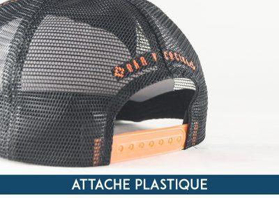 ateliercasquette-attachepalstique